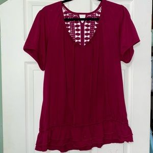 Short sleeve T-shirt with cut out back details
